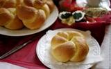 Khởi đầu ngày mới với bánh mì sữa thơm lừng