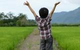 Muốn trẻ thông minh và hạnh phúc, bố mẹ nên tặng con 4 món quà dưới đây
