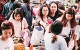 Cuối tuần Hà Nội lắm hội chợ