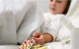 Hãy dừng ngay việc cho con uống thuốc kiểu này nếu không trẻ sẽ gặp hiểm họa khôn lường