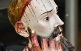 Phát hiện 8 chiếc răng người thật trong miệng tượng cổ 300 tuổi