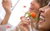 Những thực phẩm chị em nên ăn để giảm đau do viêm khớp