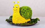 Dễ thương chú ốc sên được làm từ hoa