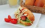 Tự làm bánh mỳ kẹp thơm phức cho bữa sáng
