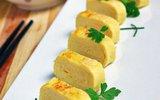 Mách bạn cách tráng trứng ngon đẹp như bánh cuộn