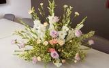 Ngày của Mẹ cắm hoa để bàn đơn giản mà đẹp xinh nhé!