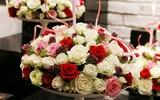 Cắm hoa với nến giản đơn mà sang trọng