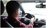 Sự thật bất ngờ về câu chuyện anh lái taxi dễ thương đem theo con trai đi chở khách