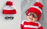 Mẹ may mũ đỏ cho bé ấm áp đón Noel