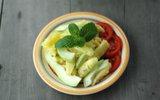 15 phút làm salad dứa ổi mát giòn cực ngon