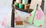 Nhanh tay nhặt vải vụn may túi tam giác nhỏ xinh