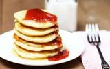 Trổ tài làm bánh pancake mềm thơm cho bữa sáng