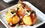 Học người Nhật cách làm bánh Takoyaki thật hấp dẫn!