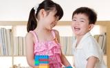 Khi chơi chán, con hãy nhường bạn - bài học chia sẻ cha mẹ cần dạy con