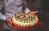 Biết vợ ngoại tình, anh chồng đã chuẩn bị bữa tiệc sinh nhật thật bất ngờ và...