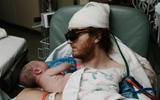Ôm đứa con bé bỏng trong tay, người cha ung thư não giai đoạn 4 khóc nức nở