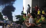 Xưởng đệm mút cháy ngùn ngụt, sơ tán khẩn 300 trẻ mầm non
