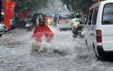 Áp thấp nhiệt đới có thể mạnh lên thành bão, miền Bắc tiếp tục mưa to