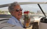 Ở tuổi 90, bà cụ ung thư vẫn quyết định