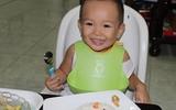 Hai cột mốc quan trọng đầu tiên của bé ăn dặm BLW