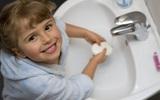 Từ A-Z kĩ năng vệ sinh cá nhân bố mẹ cần dạy con trước khi vào lớp 1