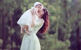 Bộ ảnh mẹ và con gái đẹp như bước ra từ một câu chuyện cổ tích