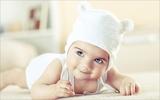 10 hiện tượng bình thường của trẻ sơ sinh khiến bố mẹ thót tim