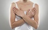 Những thói quen cực dễ khiến bạn có nguy cơ chưa già ngực đã sà xuống rốn