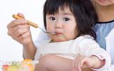 Tác hại khôn lường từ việc ép trẻ ăn hết suất ở các trường mầm non