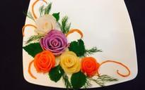 Mách bạn cách trang trí đĩa ăn tuyệt đẹp hình hoa hồng từ củ cải