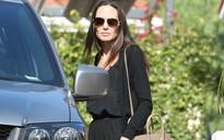 Angelina Jolie không đeo nhẫn cưới lần đầu xuất hiện ở chốn công cộng