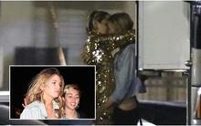 Miley Cyrus công khai hôn bạn gái nơi công cộng