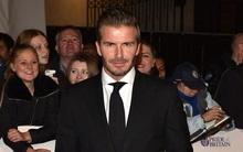 Fan nữ mê mẩn vì vẻ điển trai của Becks tại Britain Awards