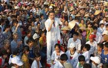 Dân đội nắng để được gần Đàm Vĩnh Hưng