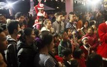 Sợ chen lấn, tắc đường người Hà Nội đổ đến điểm vui chơi đón Giáng sinh sớm