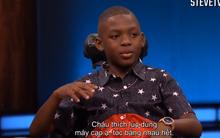 Cậu bé 8 tuổi quá tinh nghịch khiến MC Steve Harvey thấy lo sợ khi đứng gần