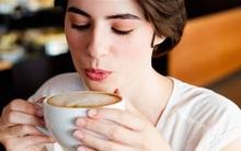 Thói quen uống nước không ngờ lại nói lên sự thật về con người bạn