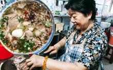Ngày rả rích mưa, đừng quên ghé quán hủ tiếu Nam Vang của người con gái Campuchia 45 năm gắn bó với Sài Gòn