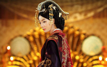 Nguyên phi Ỷ Lan, từ cô thôn nữ hái dâu đến người thay vua trị vì đất nước, bức tử Hoàng hậu và 72 cung nữ