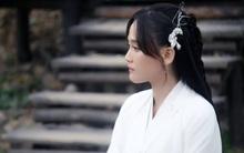 U40 Trần Kiều Ân áo trắng thanh tao, đẹp dịu dàng tựa thiếu nữ