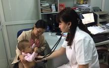 Hà Nội: Các bà mẹ bỉm sữa đứng ngồi không yên vì lại thiếu vắc xin dịch vụ