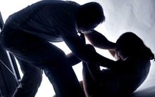 Bị bố ruột xâm hại nhiều lần, nữ sinh tuổi teen nghĩ quẩn cắt cổ tay tự tử