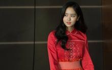 Trong phim đẹp như nữ thần nhưng ngoài đời, Kim So Hyun lại mất điểm khi ăn mặc lòe loẹt như thế này