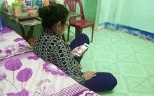 Nhìn hình ảnh mẹ lọ mọ tập dùng smartphone, bạn sẽ thấy thời công nghệ cũng không tệ lắm