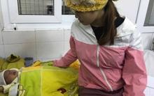 Bé gái 16 ngày tuổi loét thủng giác mạc sau khi người nhà nhỏ sữa mẹ để chữa đau mắt
