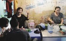 Quán bánh bột lọc 30 năm tuổi phố Ngọc Lâm, quán vỉa hè, mở hàng giờ