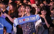 Ca sĩ Việt bức xúc vì bị hủy diễn tại show Việt - Hàn; fan Sơn Tùng ngất xỉu trong đêm nhạc gây hoang mang