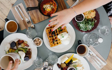 Từ giờ đến Tết, ăn theo cách này thì bạn sẽ yên tâm thoải mái diện đồ bó sát