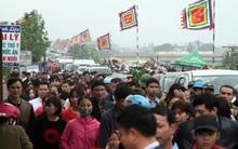 Nam Định: Dân đổ đi chợ Viềng sớm nửa ngày khiến mọi nẻo đường ùn tắc kinh hoàng