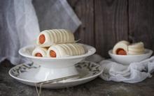 Bữa sáng không thể ngon hơn với bánh bao cuộn xúc xích cực lạ miệng